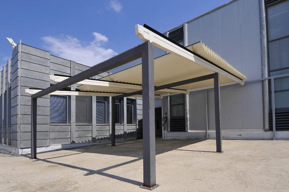 スカイカバー、ペルサ アルミルーバー 開閉式パーゴララ、全自動可動式テント、ヨーロッパデザイン、耐久性の高い